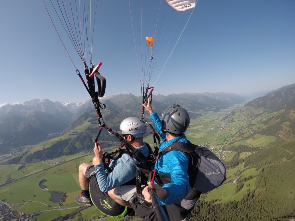 Tandem paragliding in Zell am See in summer holiday