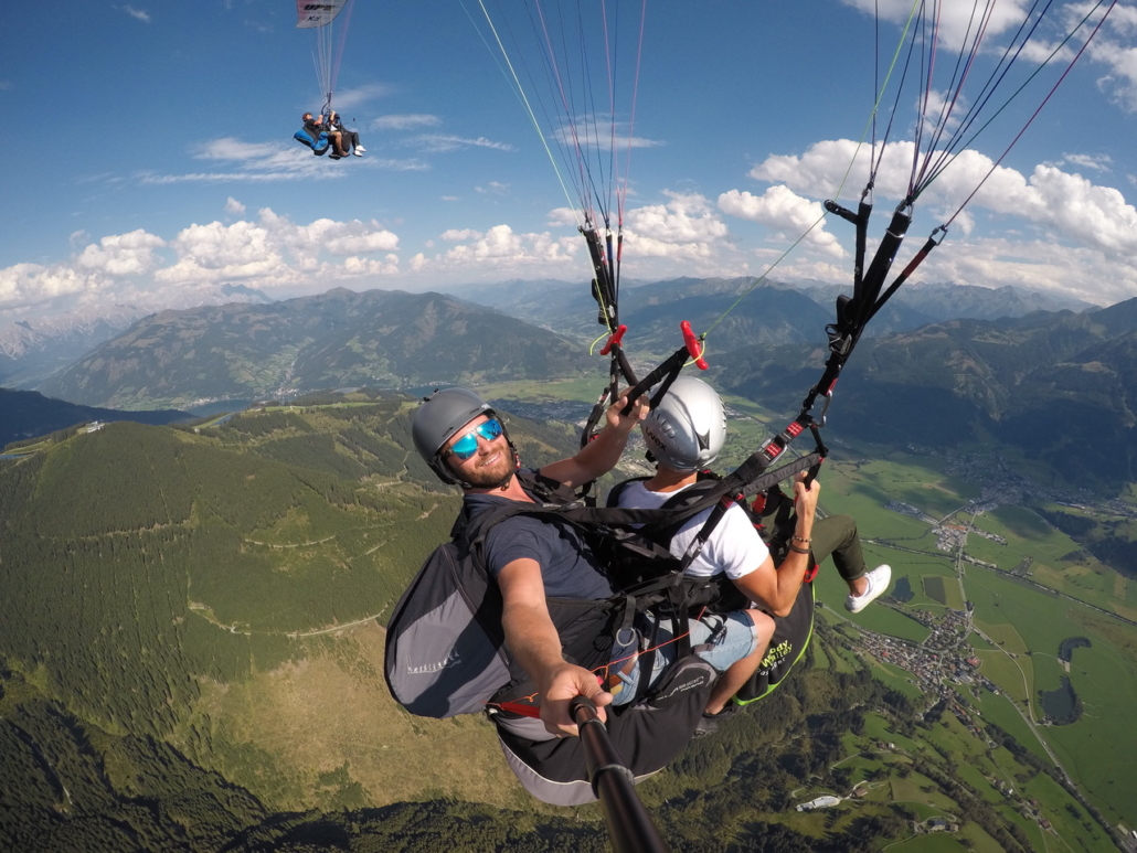 Summer holiday in Zell am See paragliding
